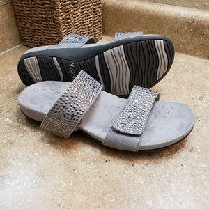 Vionic Samoa Silver Stud Sandals Size 8